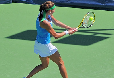 tennis backhand featured - how-to: tennis backhand